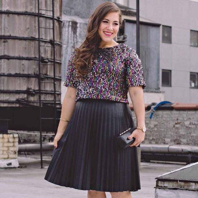 Модные платья для полных девушек и женщин